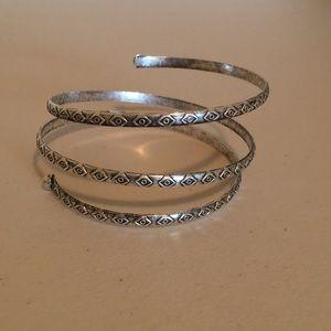 Arm band bracelet